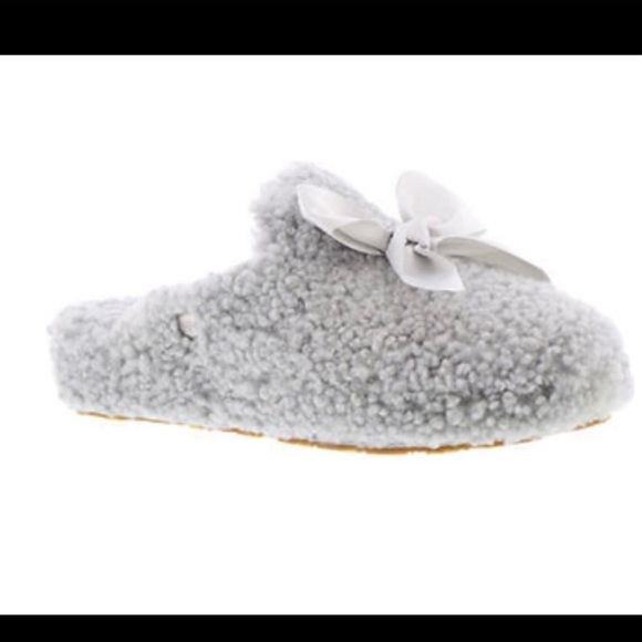 7bec6f1fccd UGG ADDISON WOMEN`S SHEEPSKIN GREY SLIPPERS NEW 7 NWT